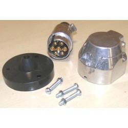 Prise métal remorque et voiture