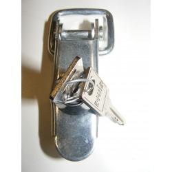 Fermeture à clef zinguée